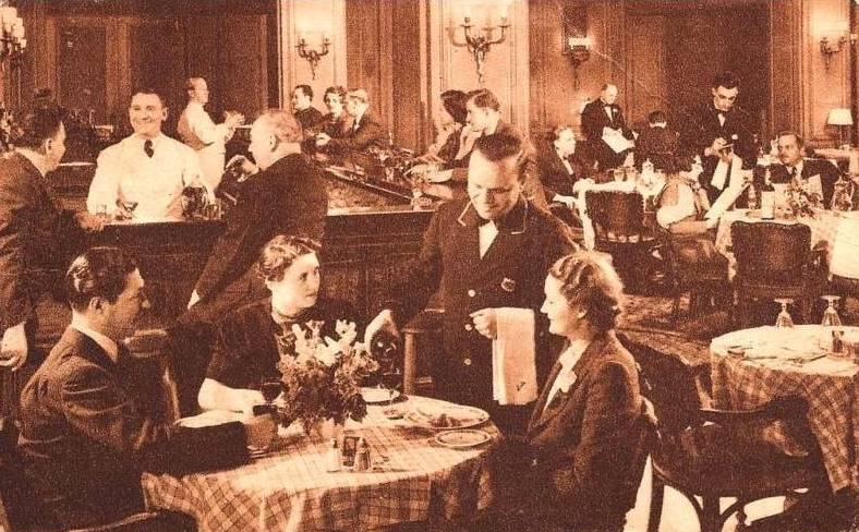 Postcard chicago stevens hotel tap room crowd for Period hotel