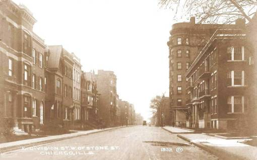 POSTCARD - CHICAGO - E DIVISION - W OF STONE - 1916