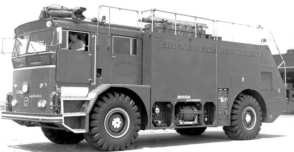 PHOTO - CHICAGO - CHICAGO FIRE DEPARTMENT - OHARE AIRPORT CRASH TRUCK - 1964