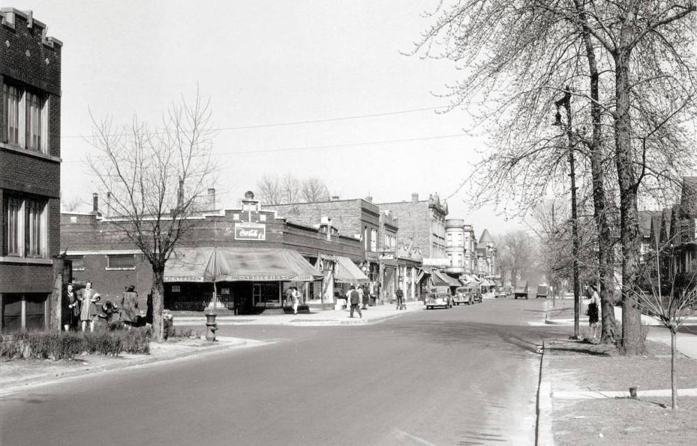 PHOTO - CHICAGO - LONSDALE AND WRIGHTWOOD - LOOKING E - c1950