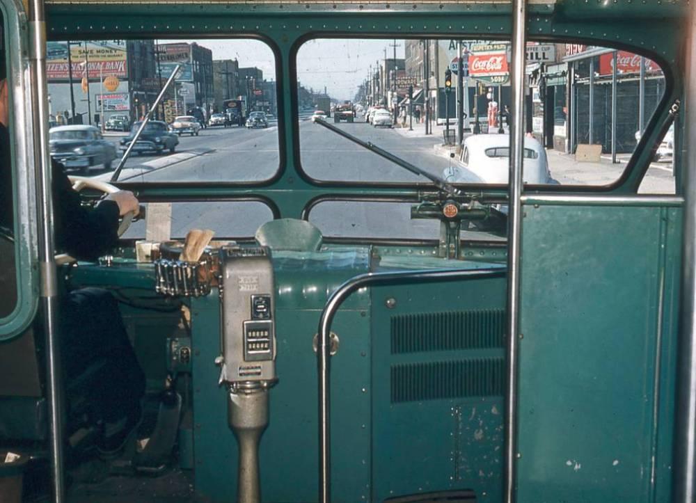 PHOTO - CHICAGO - CTA BUS - INTERIOR - DRIVER'S WINDOW - W NORTH AVE - 1950