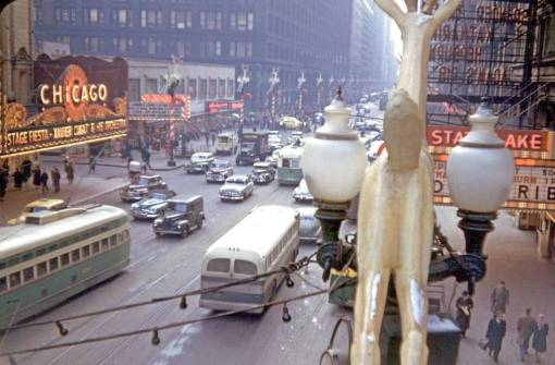 PHOTO - CHICAGO - STATE STREET - AERIAL FROM ELEVATED - LOOKING S - CHRISTMAS SEASON - STREETCARS AND BUS - LATE 1940s
